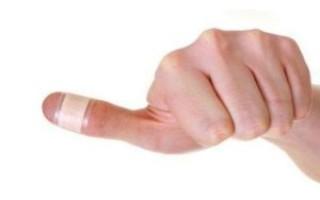 К чему порезать палец – народные приметы, толкование для каждого пальца