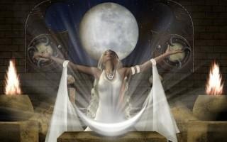 Какие ритуалы можно проводить в полнолуние для привлечения денег и любви