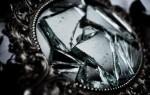 Что делать, если треснуло или разбилось зеркало – народные приметы, молитвы и заговоры от беды в доме