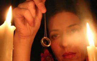 Как гадать на иголке с кольцом – инструкция