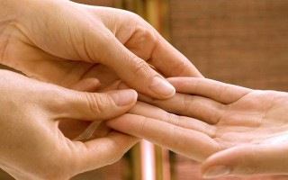 О чем говорит размер и форма пальцев рук в Хиромантии