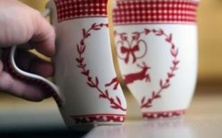 К чему трескается чашка – народные приметы, значение, возможные объяснения