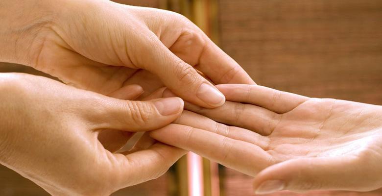 Как определить размер члена по руке и пальцам