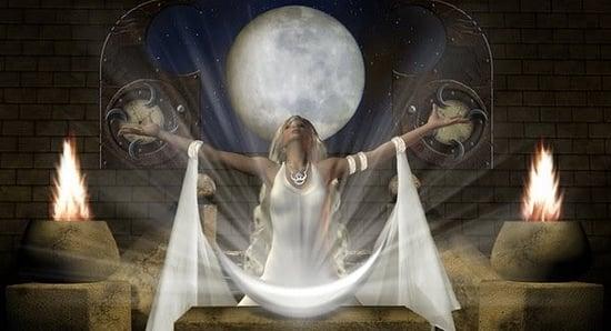 Ритуал на полнолуние для привлечения любви