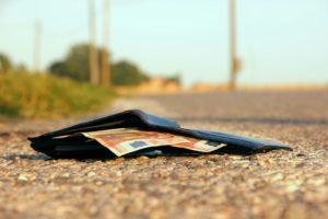 Как относиться к потере денег