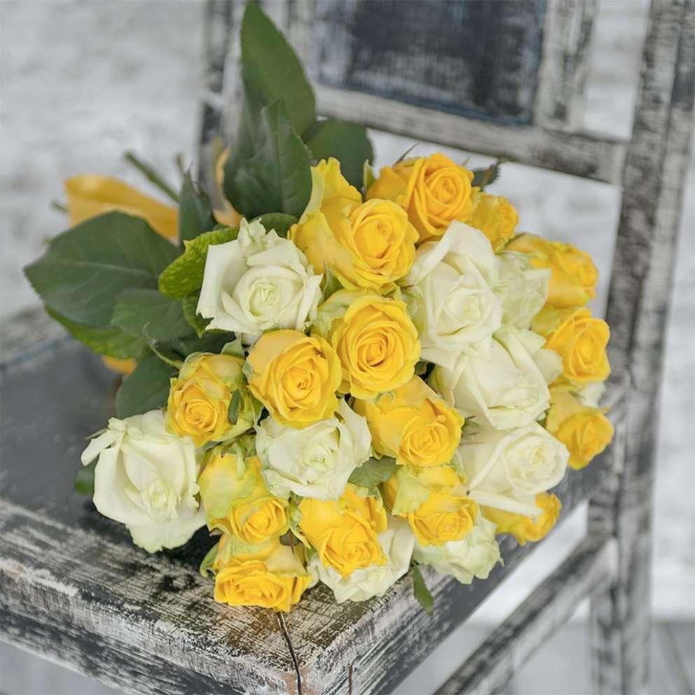 К чему дарят желтые розы